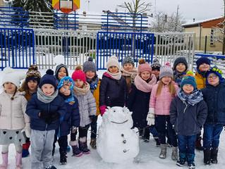 Petit retour en arrière : la neige fait des heureux à la maternelle