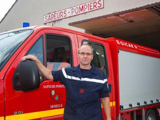 Un soldat de feu au coeur des incendies dans la Sud de la France