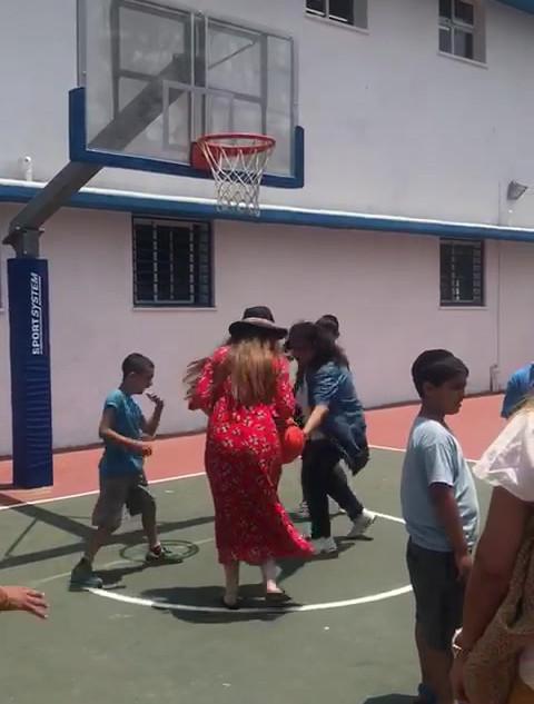 les bénévoles avec les enfants