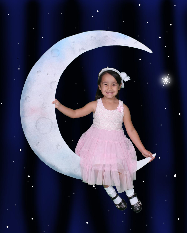 Moon BlueBlack_Girl02_sm