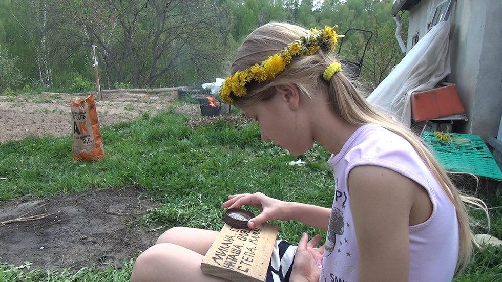 Video: Milana and dandelions
