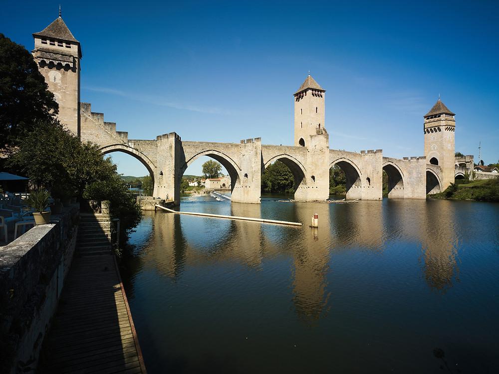 Visite de Cahors adaptée par Braille & Culture