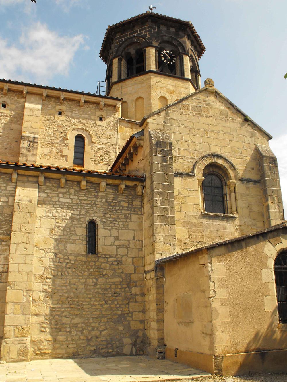 Visite de l'église de Thuret adaptée par Braille & Culture