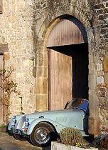 Notre garage à Cordes est prévu pour accueillir une voiture ancienne, une voiture de collection ou une moto.