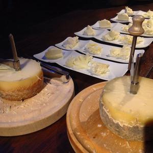 Girolles et fromages de brebis