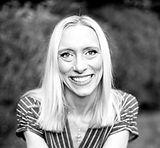 Meredith Williamson - Headshot1_edited.jpg