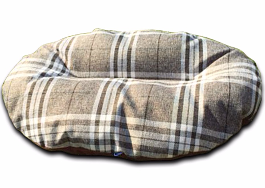 oval dog bed for baskets nutmeg check uk_edited