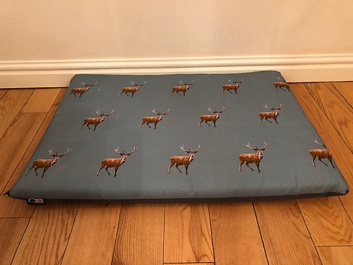 Nature Stags Crash Pad Bed 90cm x 70cm