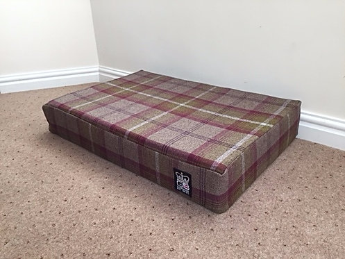 XL Memory Foam Dog Mattress Heather Check XL Size: 150cm x 80cm x 12.7cm