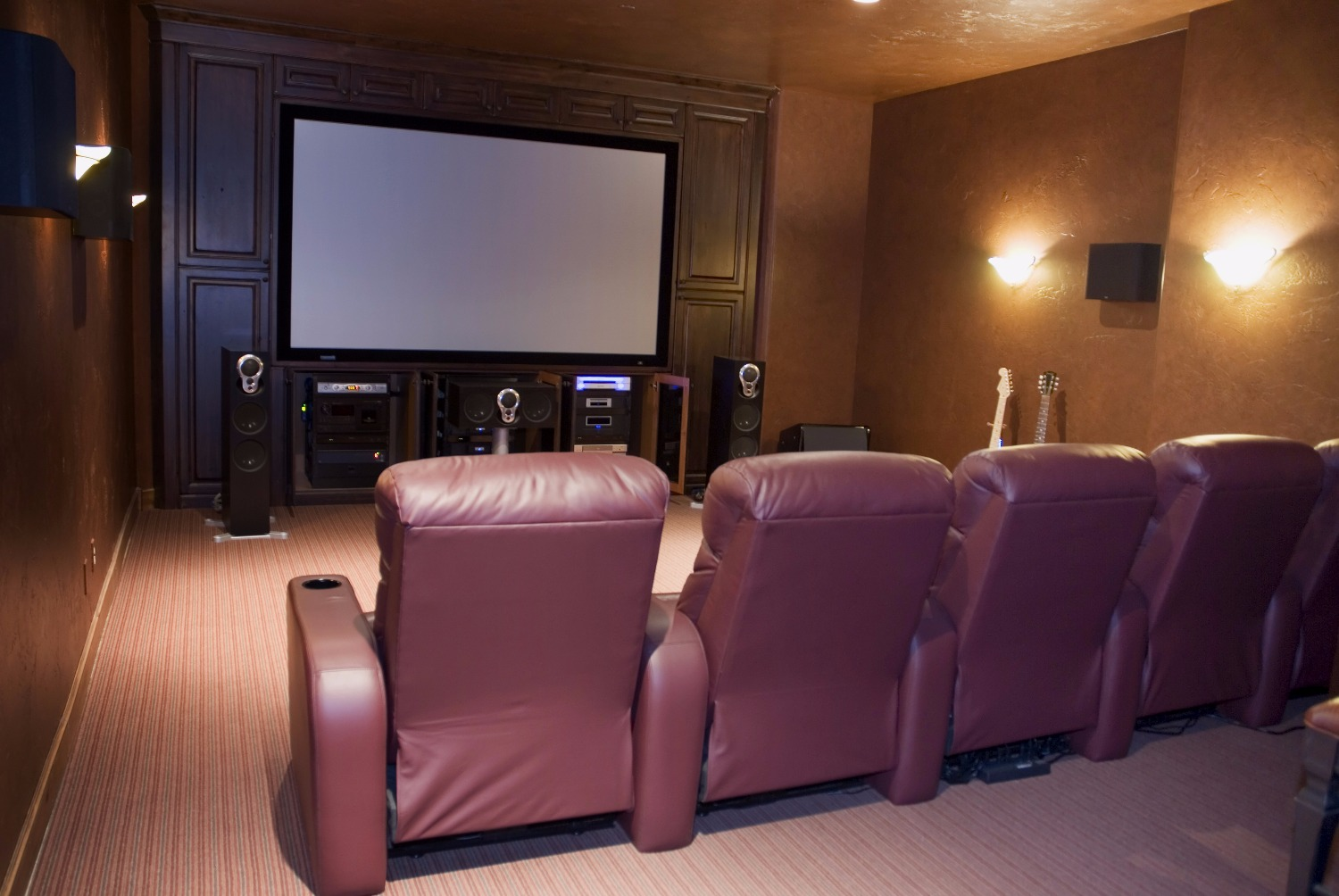 Fixed Frame Cinema Screens