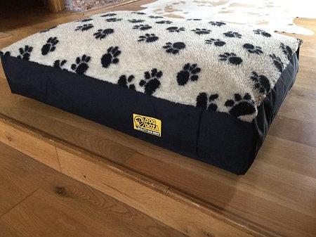 Fleecy Box Border Orthopeadic Dog Bed Various Sizes - Colours