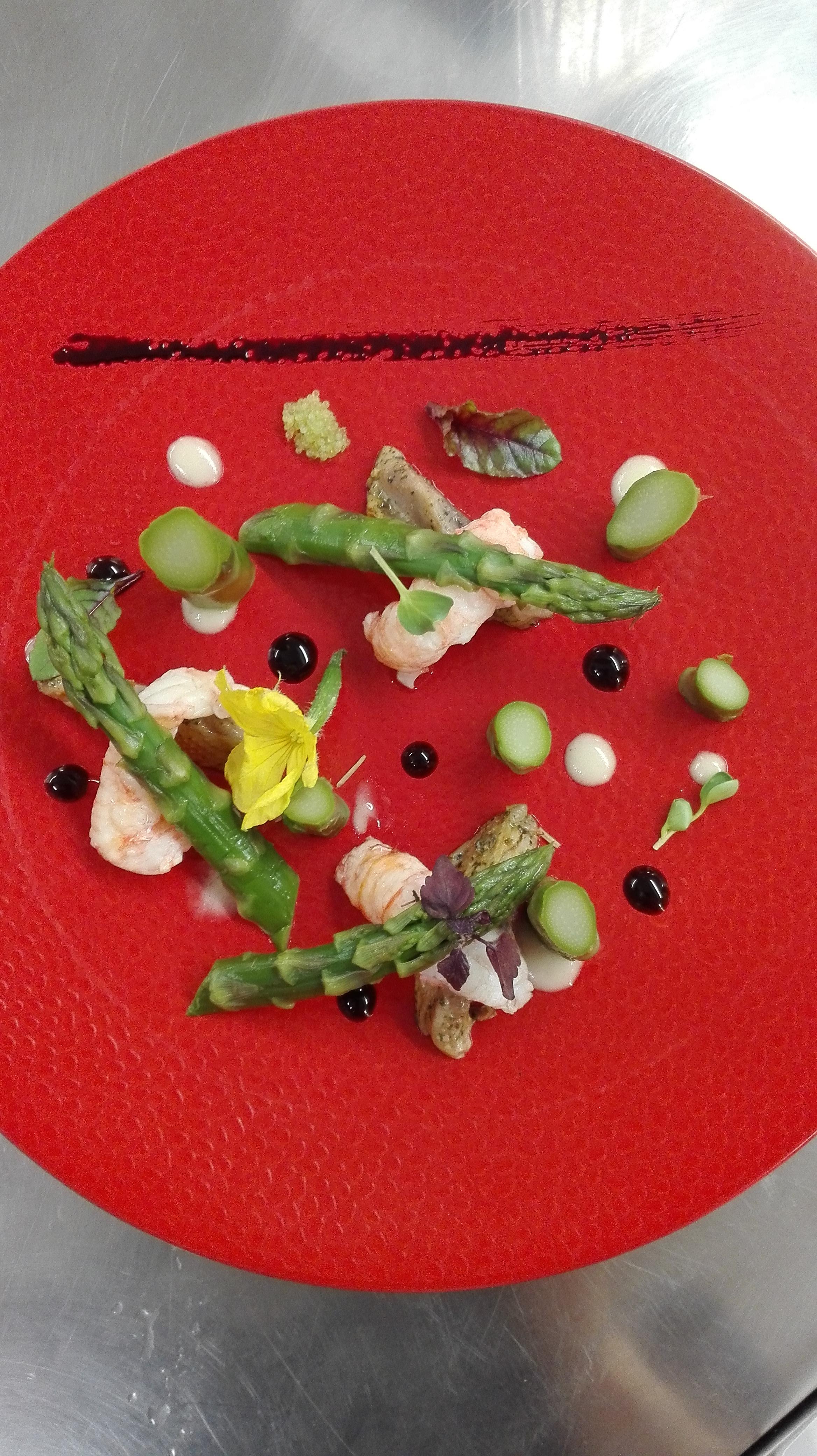 Salade d'asperges aux artichauts et lang