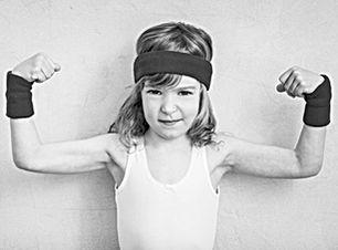 funny-strong-child-P5LKZWE editado edita