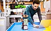 engineering-and-robotics-student-KAGQ5R7