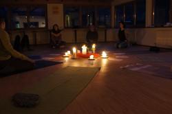 Abendmeditation: Mantra singen