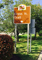 Entrance to the Cross Island Trail