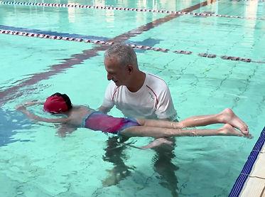 דולפיניטי - קורס ללימוד שחיה