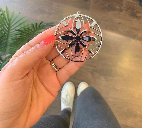 Pendentif acier argenté Mandala