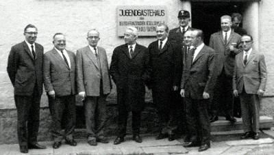 Besuch von Bundesfamilienminister Dr. Bruno Heck (4. v.l.) im November 1966