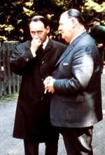 Bürgermeister Fortune Ramsayer aus Bourgoin-Jallieu taufte das Haus am 7.5.1967 auf den Namen seiner Stadt, l. Landrat Dr. Helmut Rothemund