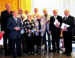 Geehrt für 40 Jahre Mitgliedschaft in der DFG: Stadt Rehau vertreten durch Bürgermeister Pöpel, Dr. Jürgen Warnke, Klaus Schiller, Irene Zapf, Peter Rausch, Helma Oppelt, Konrad Grimm, Hartmut Höra, Gustav Oppelt