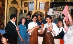...und Détente in der Bar nebenan nach dem anstrengenden Bierausschank