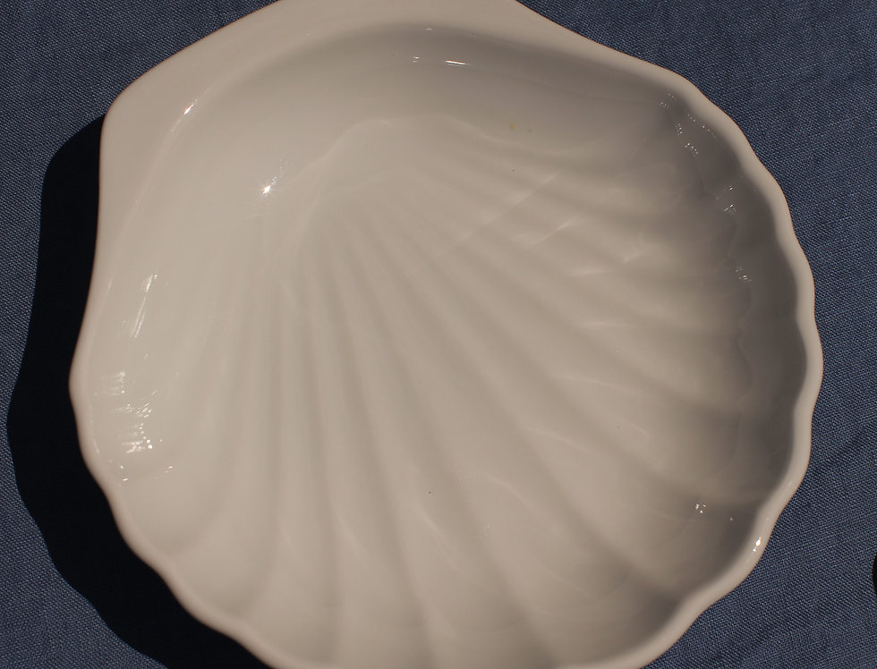 Ceramic Seashell Plate Large