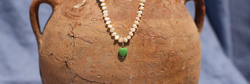 Green Kardia - Pearl and Gold Talisman Necklace
