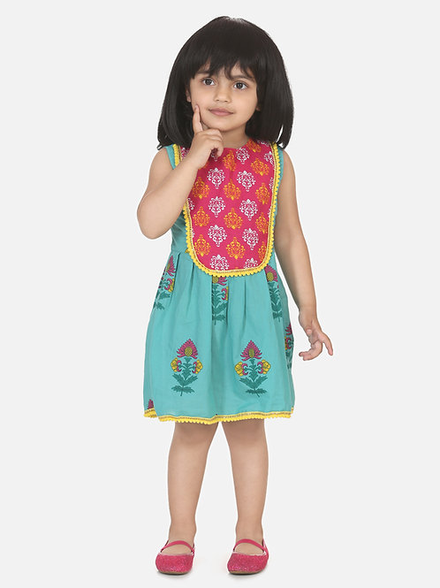 Bow N Bee Girls Round Patch Cotton Sleeveless Frock in Blue