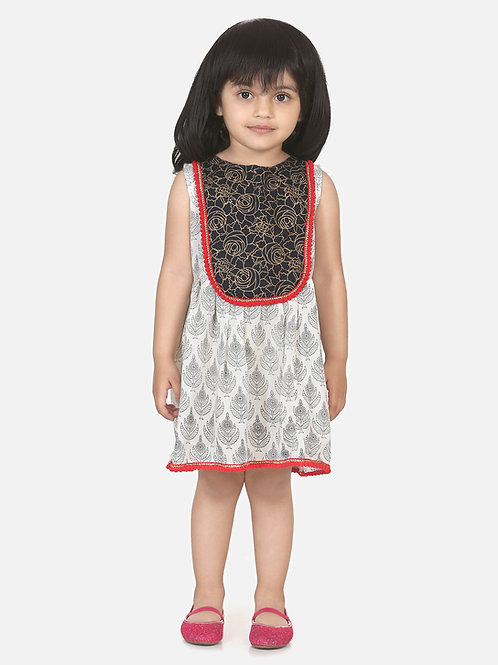 Bow N Bee Girls Round Patch Cotton Sleeveless Frock in White