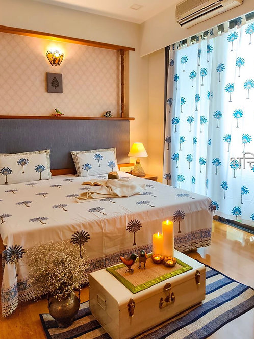 Hawa Mahal Double Bed Sheet in Fame in Blue Palm
