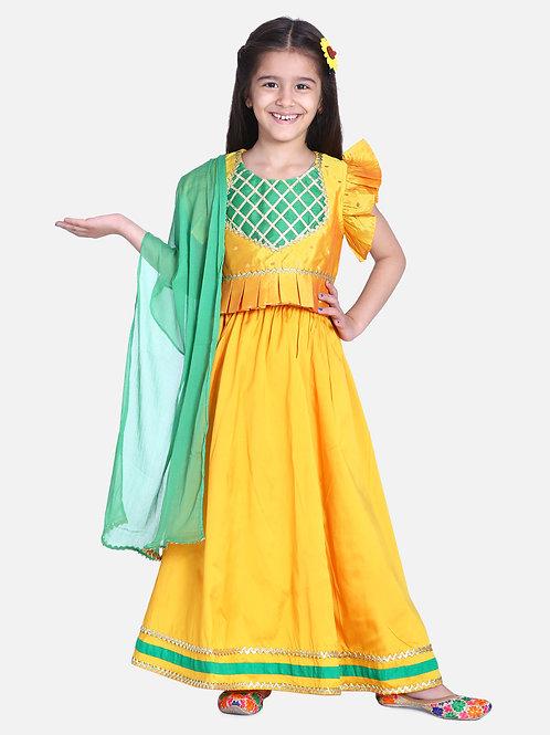 Kidswear Girls Bow n Bee Yellow Taffeta Booti Patch Lehenga Choli