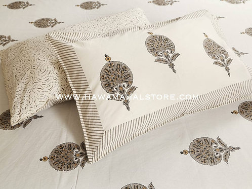 Hawa Mahal Double Bed Sheet in Fame Butti Brown