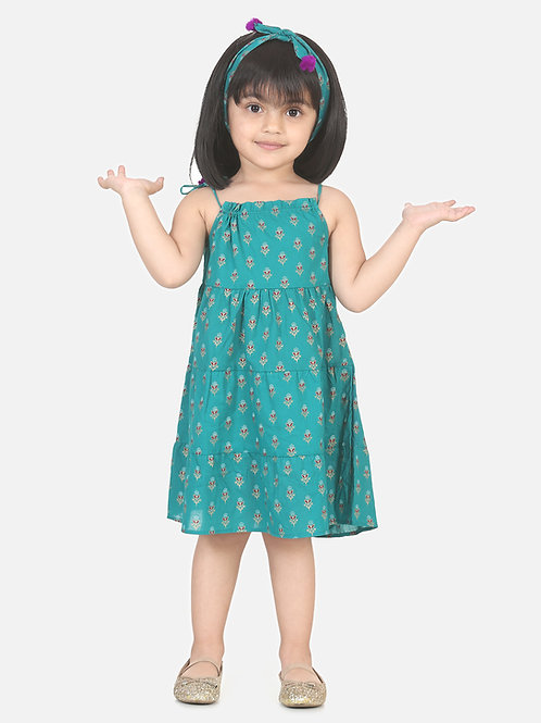 Bow N Bee Girls Block Print Tier Cotton Frock with Headband in Green