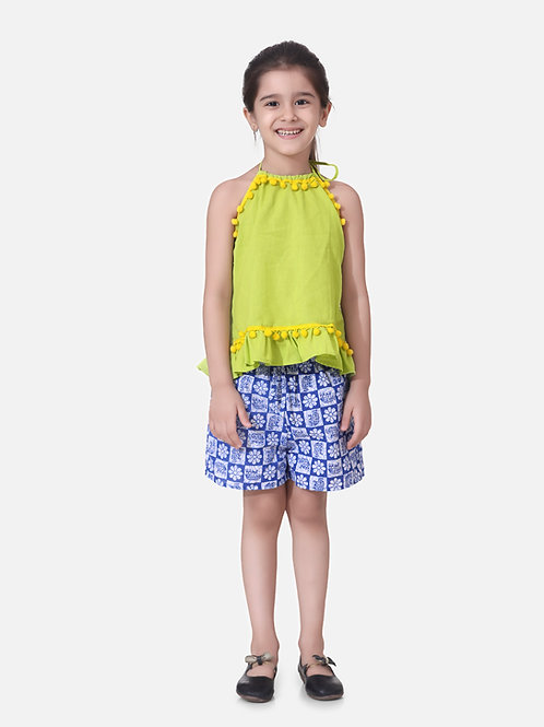 Bow N Bee Girls Pure Cotton Top With Printed Shorts in Green