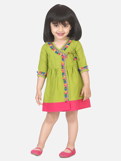 Bow N Bee Girls Cotton Front Open Full Sleeve Frock in Green
