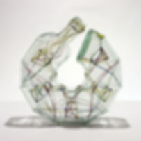 Uroboros 2, glazen flessen, elastiekjes, glaskunst, glass art