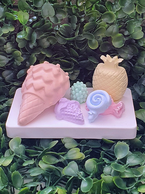 Ice cream cone w Candy