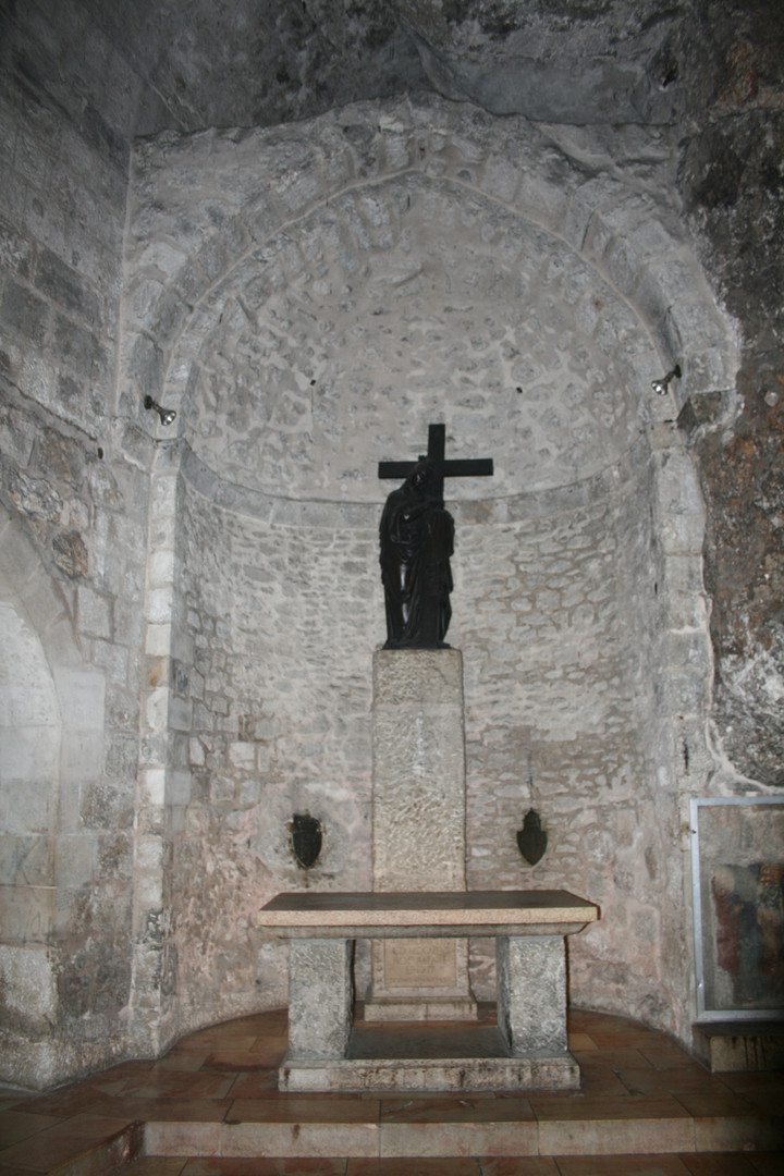 Grotto_of_the_Holy_Cross,_Church_of_the_