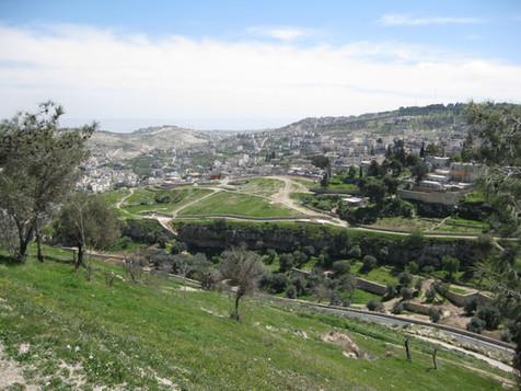 Hinnom Valley6.jpg