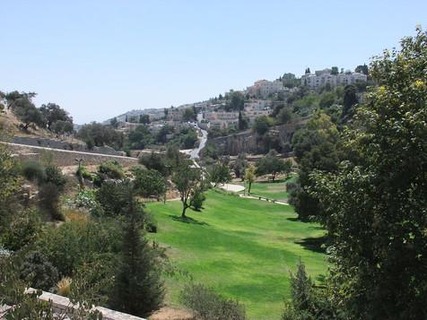 Hinnom Valley1.jpg