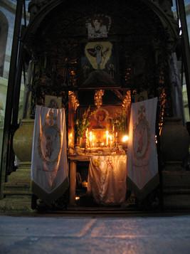 Coptic_Shrine_at_Edicule.jpg