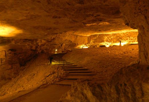 Zedekiah's Cave (Solomon's Quarries).jpg