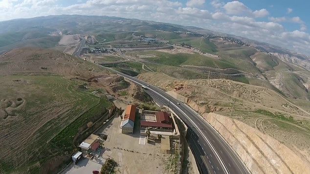 Road from Jericho to Jerusalem_Moment4.j