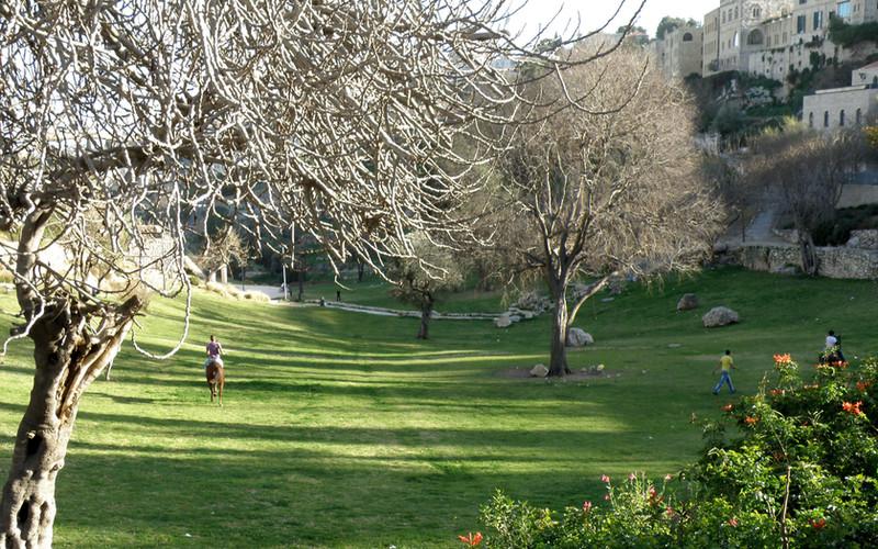 Hinnom Valley10.jpg