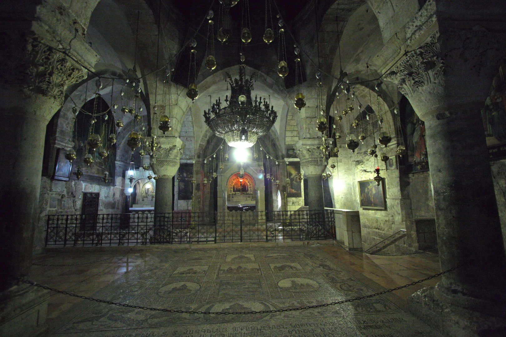 Jerusalem-Church_of_the_Holy_Sepulcher-T
