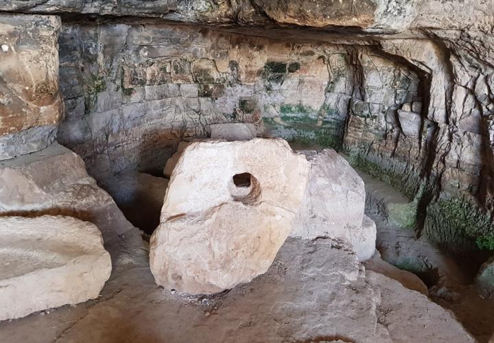 Bethel cave.png