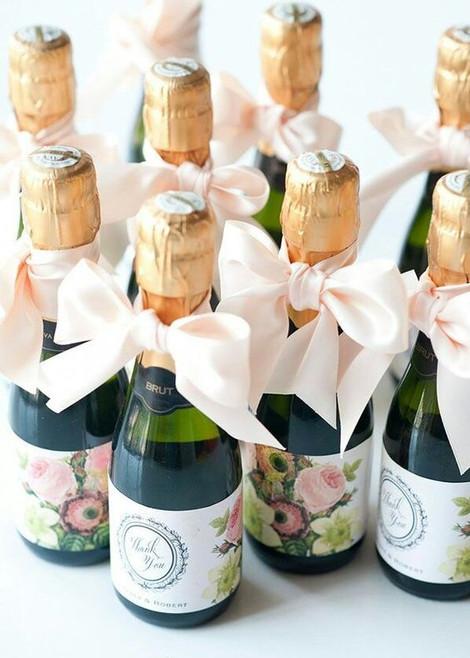 10 Creative Wedding Favors