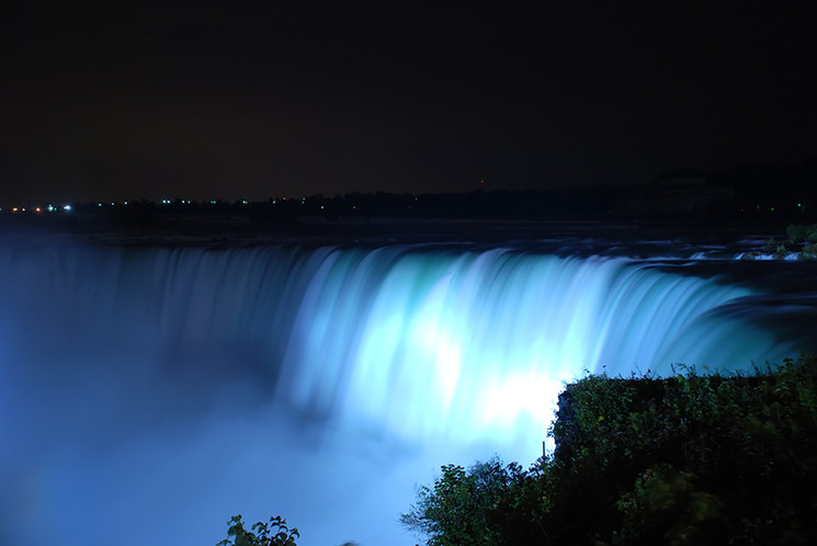 Niagra at night 2