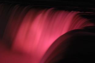 omer regev photographer niagra falls at night